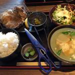 鶏モモ炭火焼定食