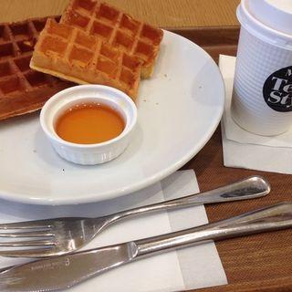プレーンワッフル&ロイヤルミルクティー(Tea style)