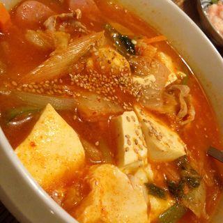 キムチチゲスープ(韓屋台 李俊 (カンヤタイ リシュン))