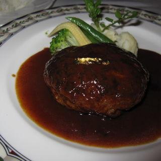 ハンバーグステーキ デミグラスソース(グリル 木の実 (grill KONOMI))