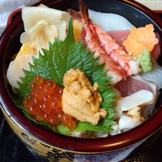 海鮮どんぶり上(亀寿司食堂 (かめずししょくどう))