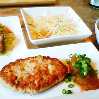 豆腐ハンバーグセット(八ヶ岳・カントリーキッチン)