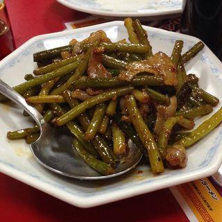 ニンニクの茎と豚肉炒め(ピカイチ )