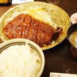 ロースとんかつ定食(矢場とん 矢場町本店 (やばとん))