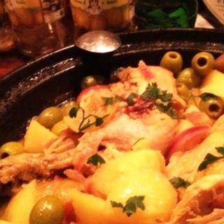 鶏肉とシトロンコンフィとオリーヴのタジン(ジャジューカ (jajouka))
