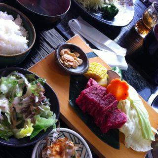 焼き肉定食(タビルカ)