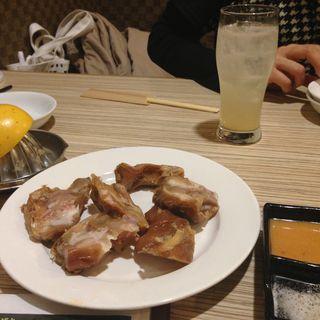豚足(焼肉 三水苑 東口店 (サンスイエン))