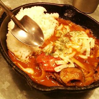 茄子とトマトのチーズカレー(野菜を食べるカレーcamp エキマルシェ大阪店 (キャンプ))