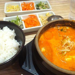 豆腐スンドゥブ(東京純豆腐 池袋パルコ店 (トウキョウスンドゥブ))