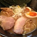 濃厚正油ラーメン(旬風 (麺 しゅんぷう))
