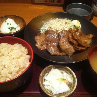 ランチ 豚炭火焼定食(ゑーもん 神田店 )
