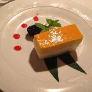 Mango Mousse Cake(Megu)