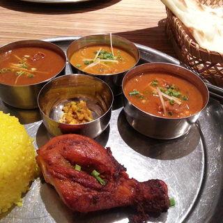 カレー3種とタンドリーチキンランチ(アッサム 築地店 (Assam))