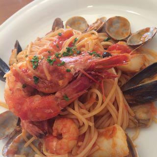 魚介トマトパスタ(イタリア食堂 アッラミア )