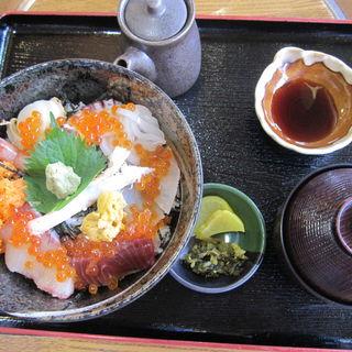 海鮮丼(小)(おけしょう鮮魚の海中苑 )