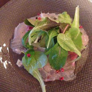 白身魚とズッキーニのカルパッチョ レモンビネガーソース(ベルジアン ブラッスリーコート ブルージュ (Belgian Brasserie Court Brugge))