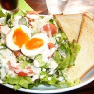 サラダランチ(64Cafe+Ranai (64カフェ+ラナイ))