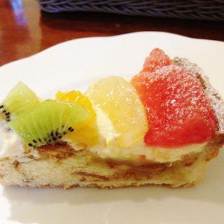 フルーツのケーキ(チェザリ)