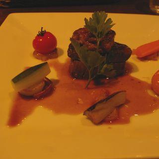 和牛へレ肉のロティー フォアグラを添えて(グラニット・カフェ (Granite Cafe))