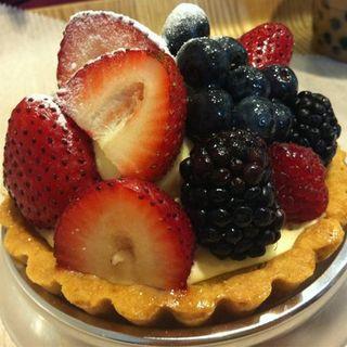 Strawberry & Blueberry tart(Paris Baguette)