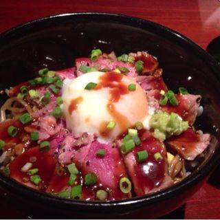 ステーキ丼(828)