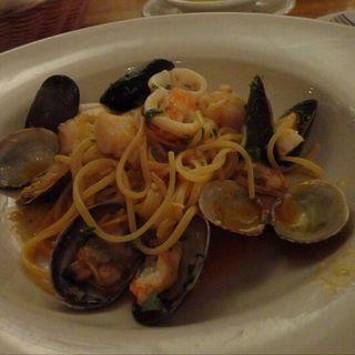シーフードボンゴレ(Basta Pasta)