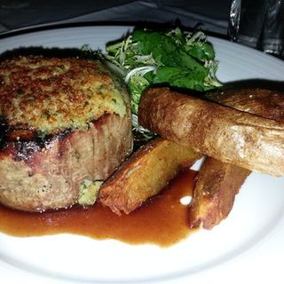 Blue Cheese Crusted Filet Mignon(Blue Water Grill)