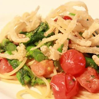 白魚と菜の花シシリアンルージュのフレッシュトマト(AGカフェ (AG cafe))