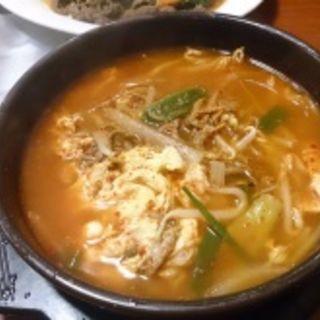 ユッケジャン(Chodang Restaurant)