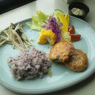 野菜たっぷりつくねハンバーグ(カフェまる (Caf?))
