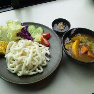 夏野菜ゴロゴロカレーうどん(カフェまる (Caf?))