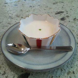 プルプル牛乳プリン(カフェまる (Caf?))