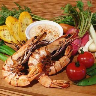 グリル海老と野菜のアイオリ(source)