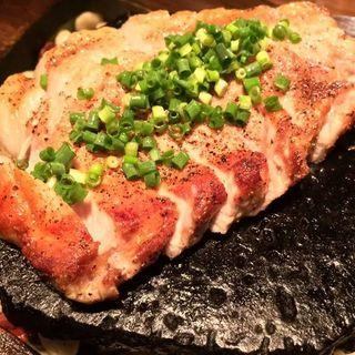もち豚の石焼き(source)
