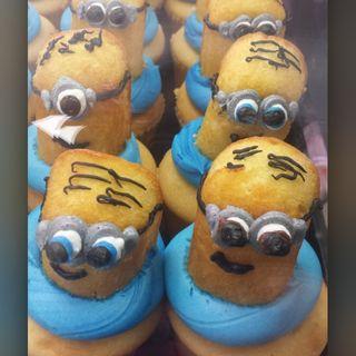 Minion Cupcakes(Torrance Bekery)