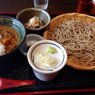 牛すじカレーとセイロそば(桜杏 (OH-AN))