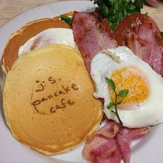 B.L.T パンケーキ(ジェイエス パンケーキカフェ 青山店 (j.s. pancake cafe))