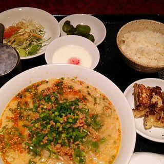坦々麺セット(東海苑)