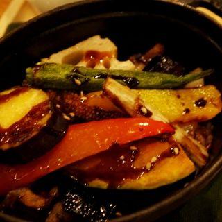 彩り野菜と塩漬け豚のココット飯(シェフズ・ブイ 横浜ランドマークタワー店 (chef's V))