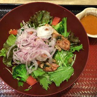 炭火焼きバジルチキンサラダ(単品)(大戸屋 渋谷文化村通り店 )