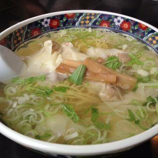 ワンタン麺・塩(麺厨房あじさい 本店)