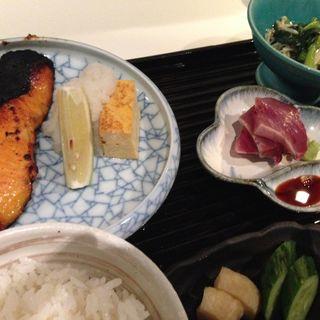 鮭の西京焼定食(五丁目 千 きいろ )