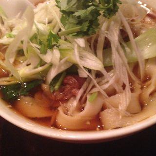 紅焼排骨刀削麺(パイコートウショウメン) (刀削麺 張家 麹町店 )