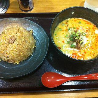 担々麺チャーハンセット(東竜 神田店 )