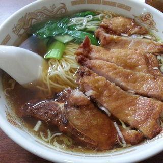 排骨湯麺(骨付き肉入りそば)(李香園)