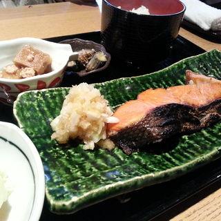 しゃけ塩焼き定食(恵比寿 いなきあ )