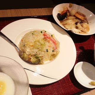 ハーフ麺&ハーフ蟹チャーハン(シャンハイタン ダイニング モザイクモール港北店 (上海灘 DINING))