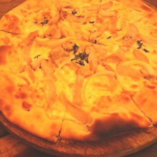 Rosemary Chicken Pizza(Coconut House Restaurant)