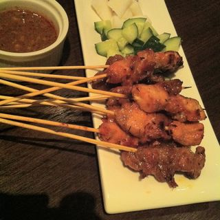 Chicken and Beef Satay(Taps Beer Bar)