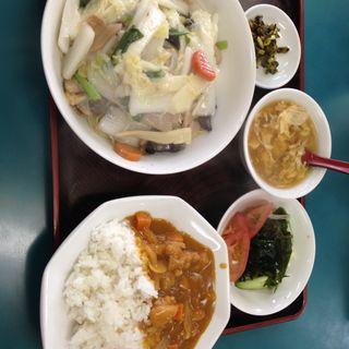 海鮮焼きそばカレーライス定食(四川餃子房)